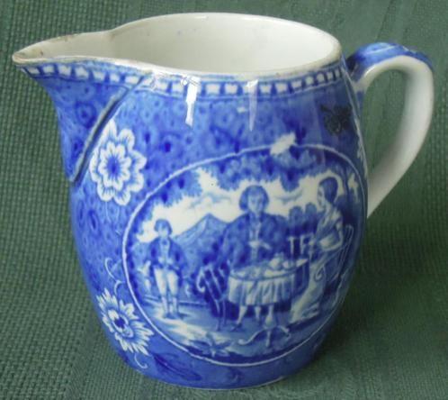 Nr. A351: Blauw melkkannetje The teadrinker Hoogte ca 9 cm.