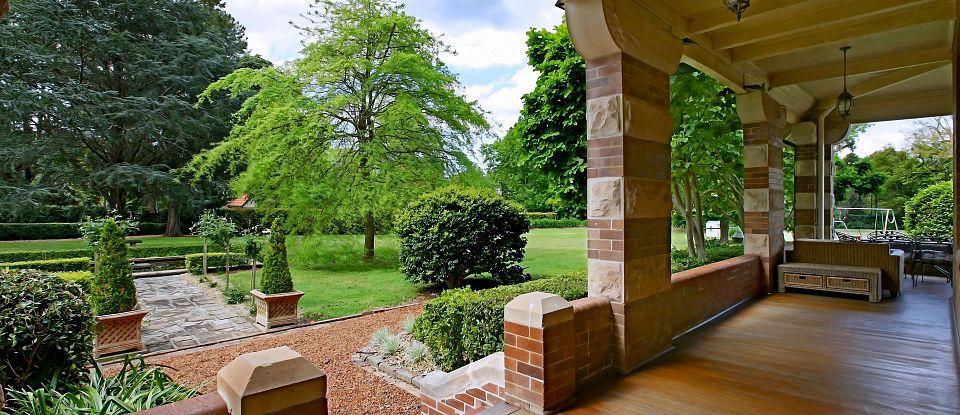 Craignairn Estate Backyard (North Shore Sydney, Australia