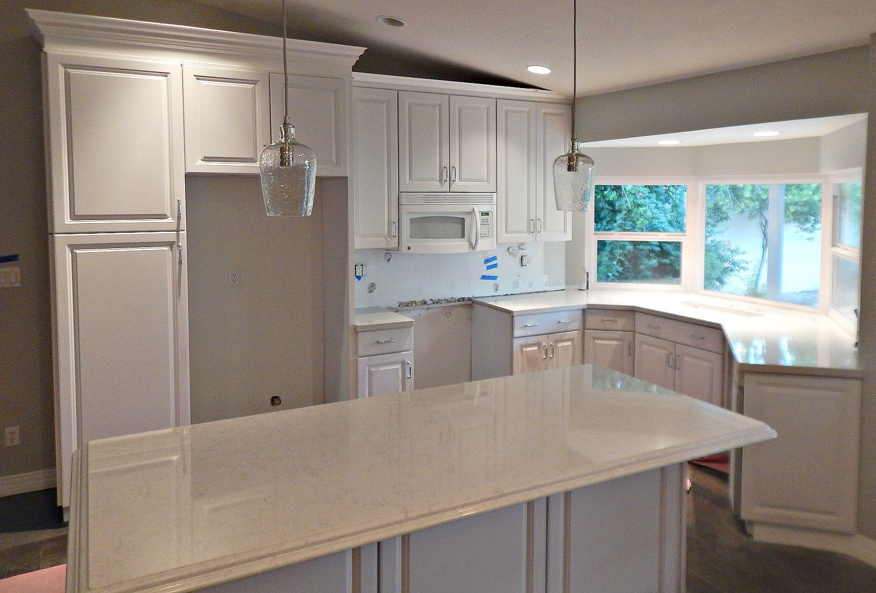 Silestone Lagoon Quartz Countertop Remodel With Double Ogee Edge