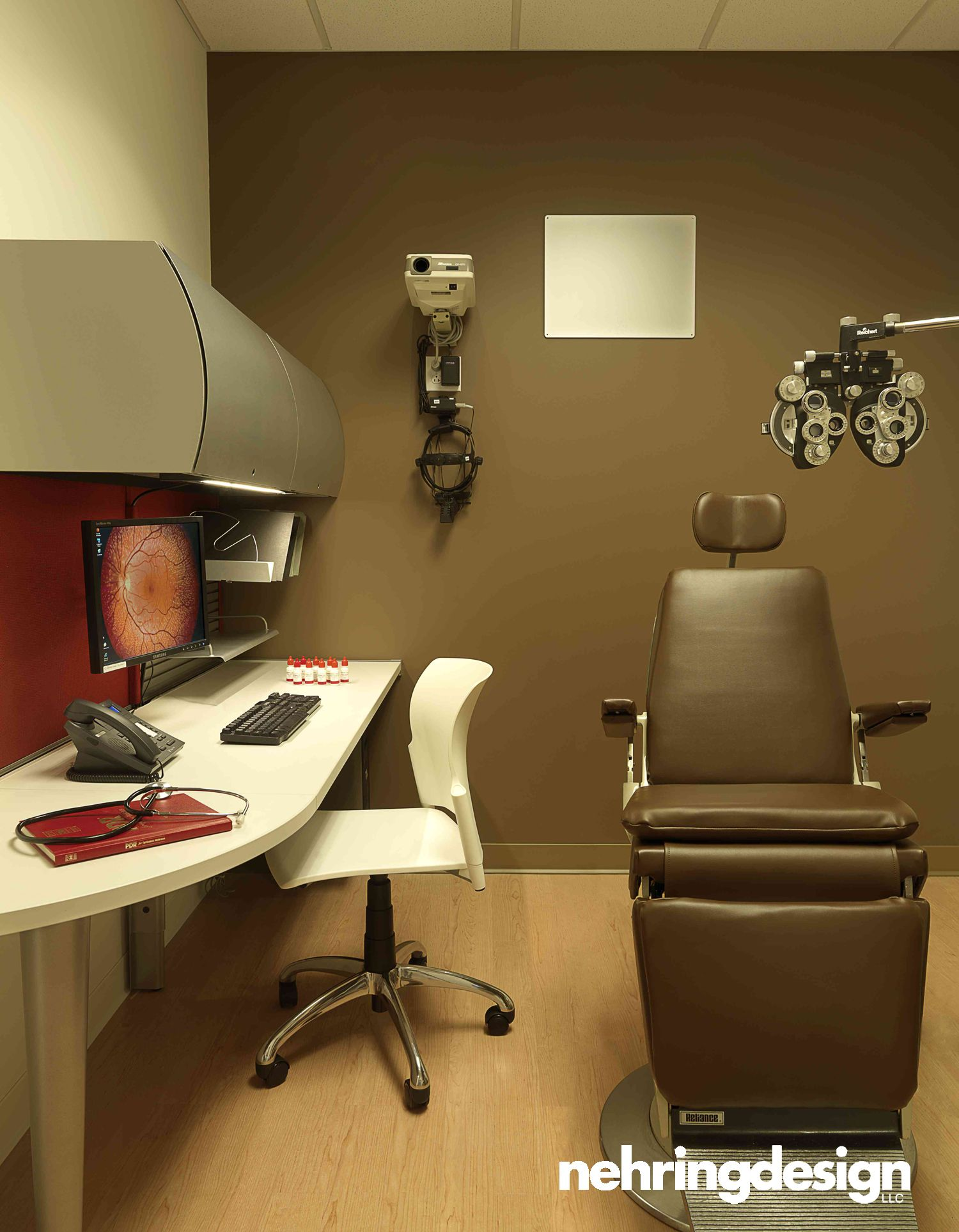 Barnes Retina Institute - Exam Room in 2019   Optometry ...