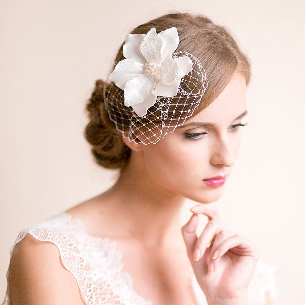 Flower Wedding Headpieces: Bridal Fascinator With Magnolia Flower