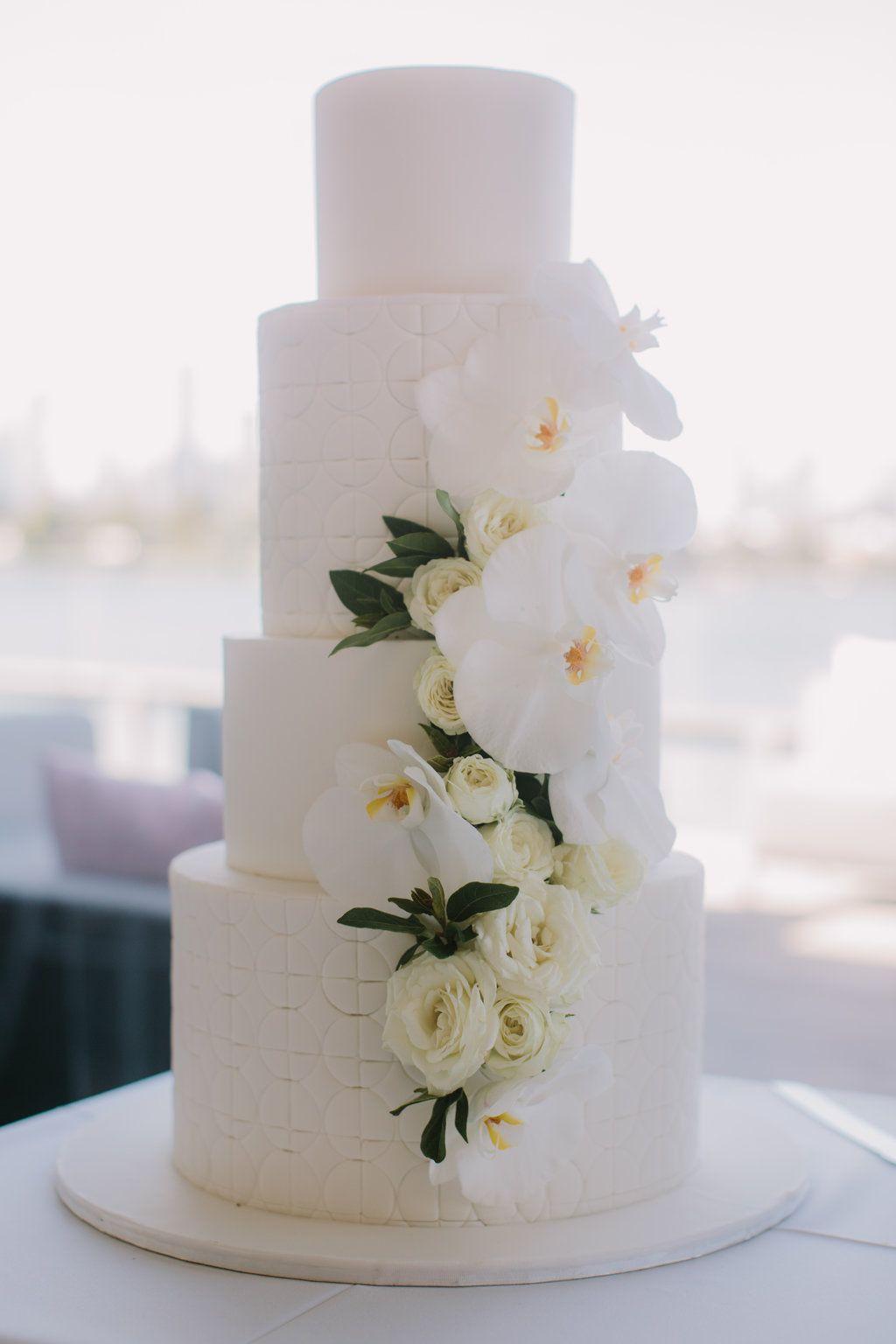 Modern Melbourne Wedding: Janna + David | Melbourne, Wedding cake ...