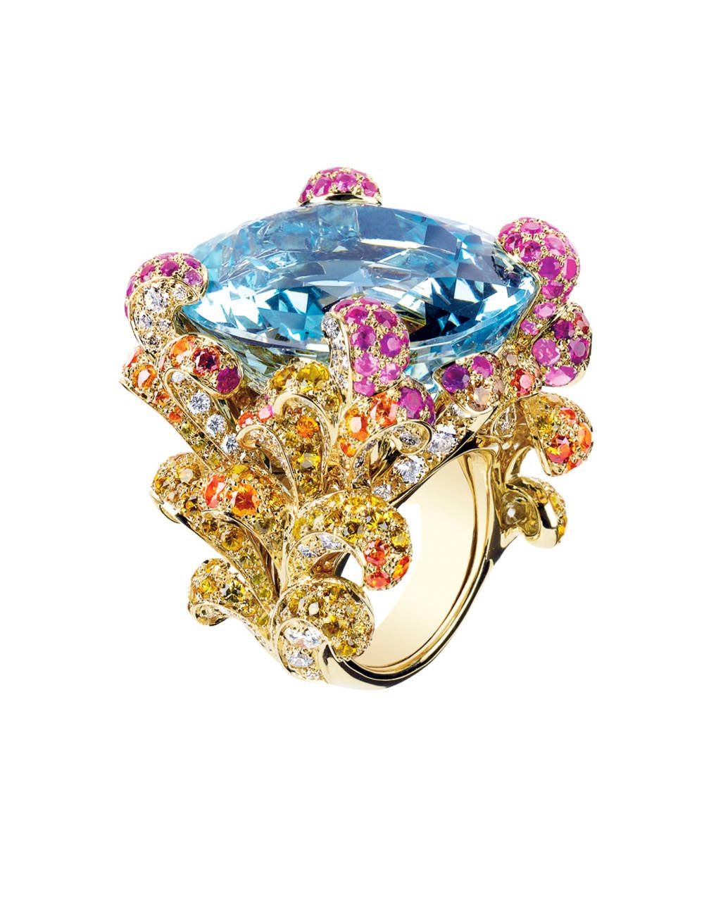 A true jaw-dropping masterpiece. Dior Fine Jewelry ring.