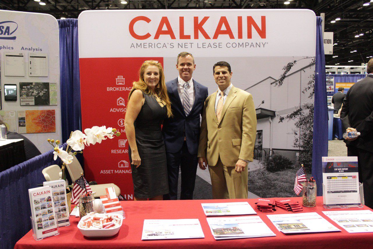 """Shopping Center Promos shares with you - """"RT calkain: Let's make a deal ICSC #Orlando! Visit booth 3020 tealhender https://t.co/vKP7Ccvsay"""""""