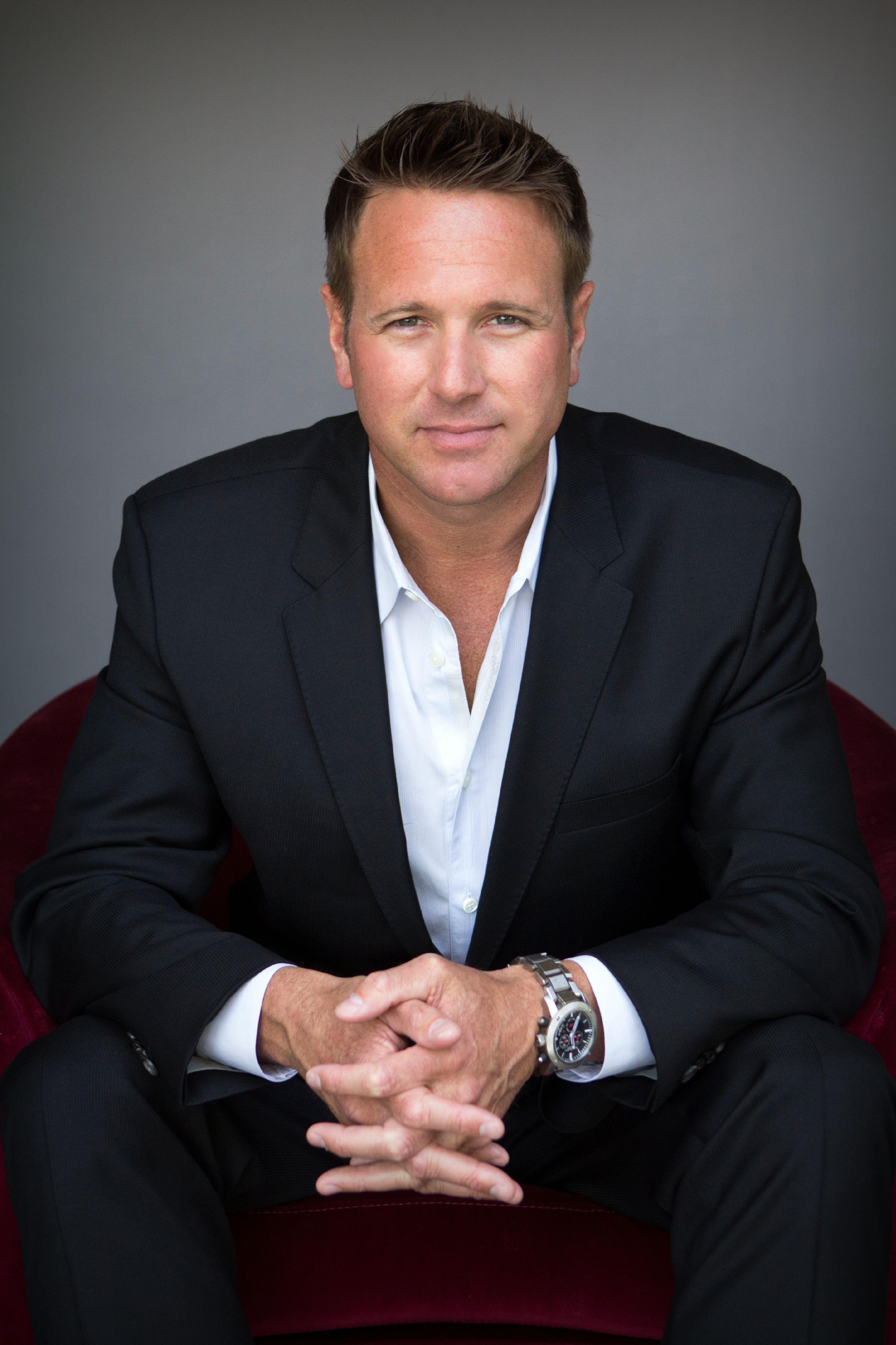 Executive Headshot dani alger l HEADSHOTS Pinterest – Professional Business Profile