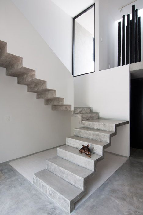 Warm Architects Adds Cast Concrete Staircase To Garciau0027s House In Cancún