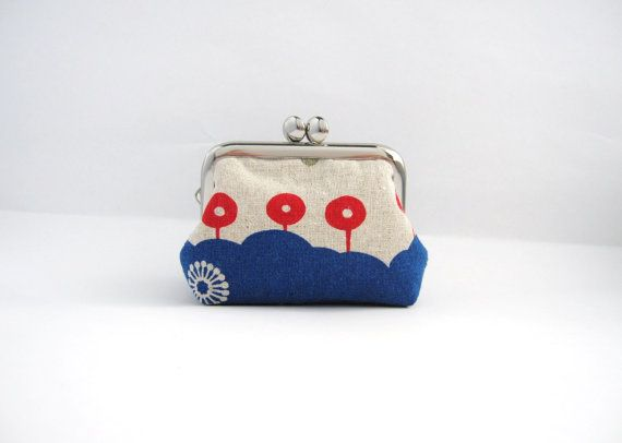 Coin purse Mini jewelry case with ring pillow kiss by thezakka, $18.50