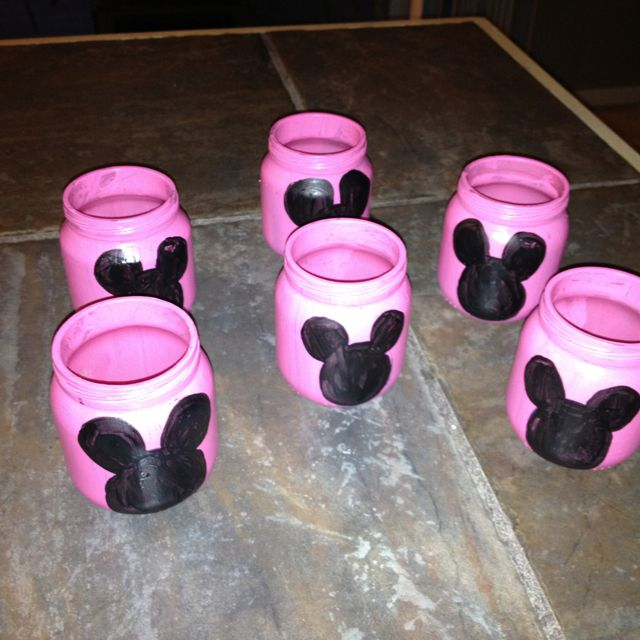 Minnie mouse party decoration made from baby food jars for Baby minnie mouse decoration ideas