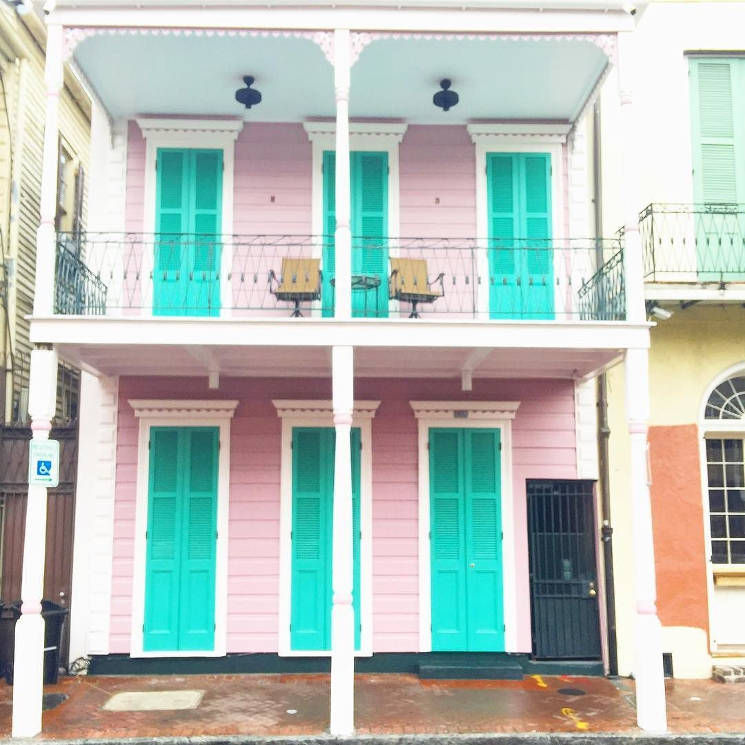 New Orleans it's been real. I have loved getting to know you and I will come back to visit.  #neworleans #pink #dscolor #abmitsacolorfullife  #frenchquarter by saman_tana