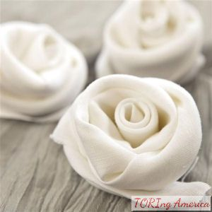 Easy breezy way to fold a napkin into a rose!