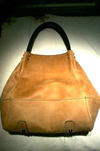 76bd80f24f4a7 klama unikatowe torebki torby ręcznie szyte skóra beżowa beige hobo detail  klama unikatowe torebki torby ręcznie