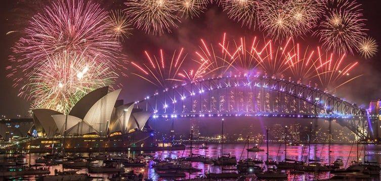 Sydney Australia Celebrates New Year 2019 Incpak New Years Eve Fireworks Sydney New Years Eve New Years Eve