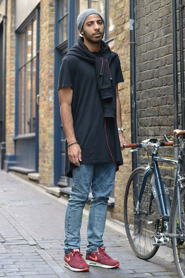 blue acid wash jeans with burgundy nike air max, longline black t-shirt and