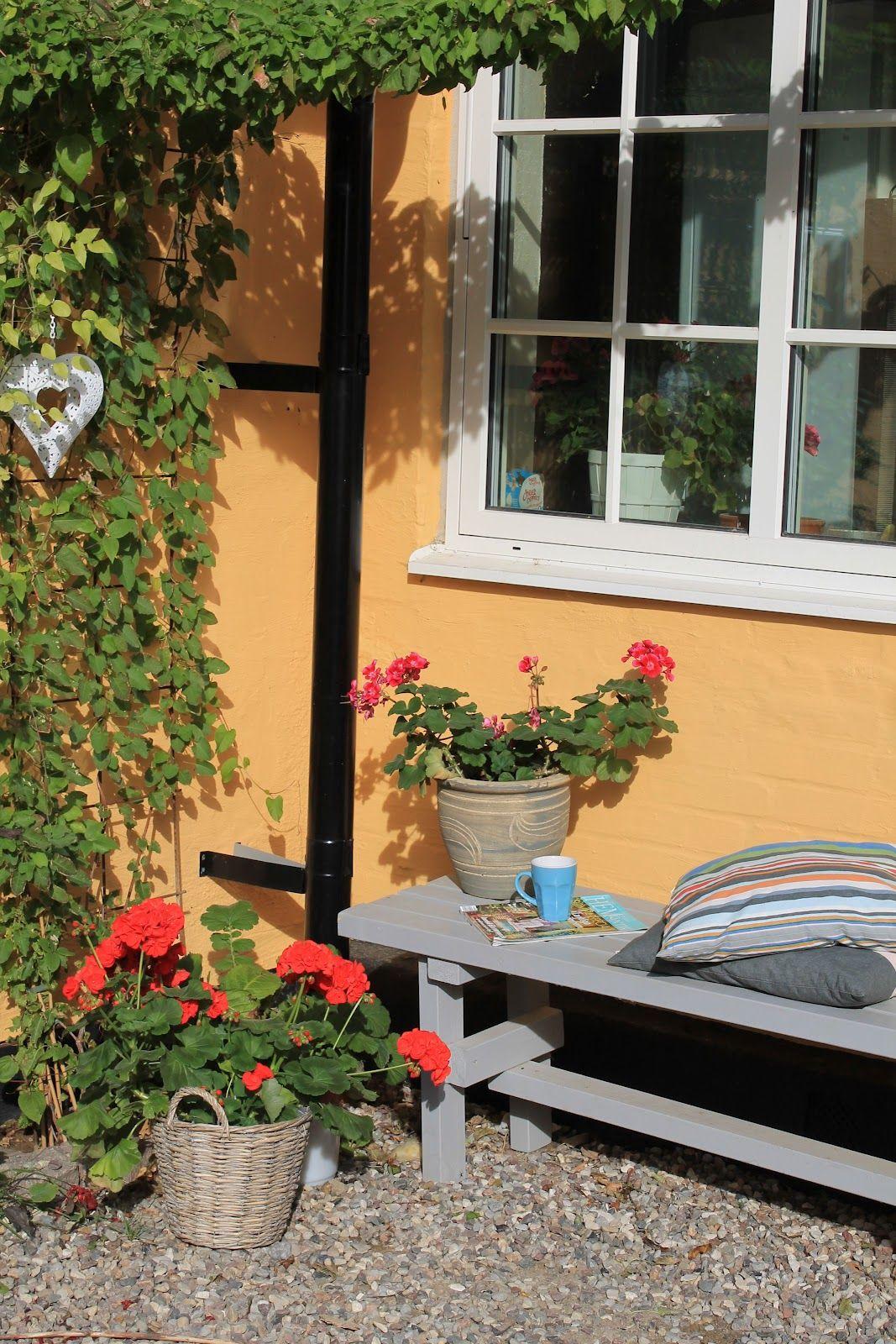Outdoor reading nook (myfinnishdelights blog) | Outdoor ... on Backyard Nook Ideas id=43158