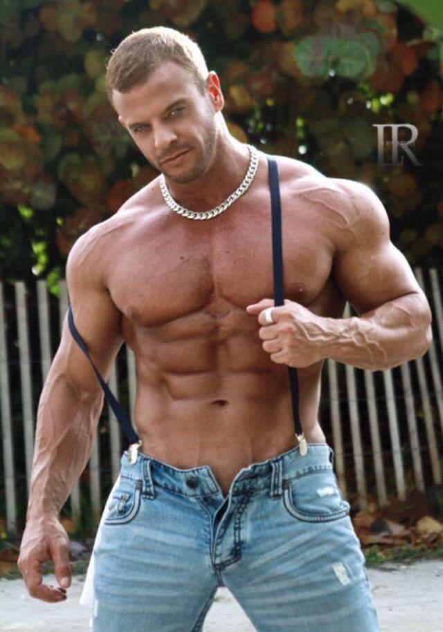 Muscle Hunk Damon Danilo | Huge Gay BodyBuilders - The