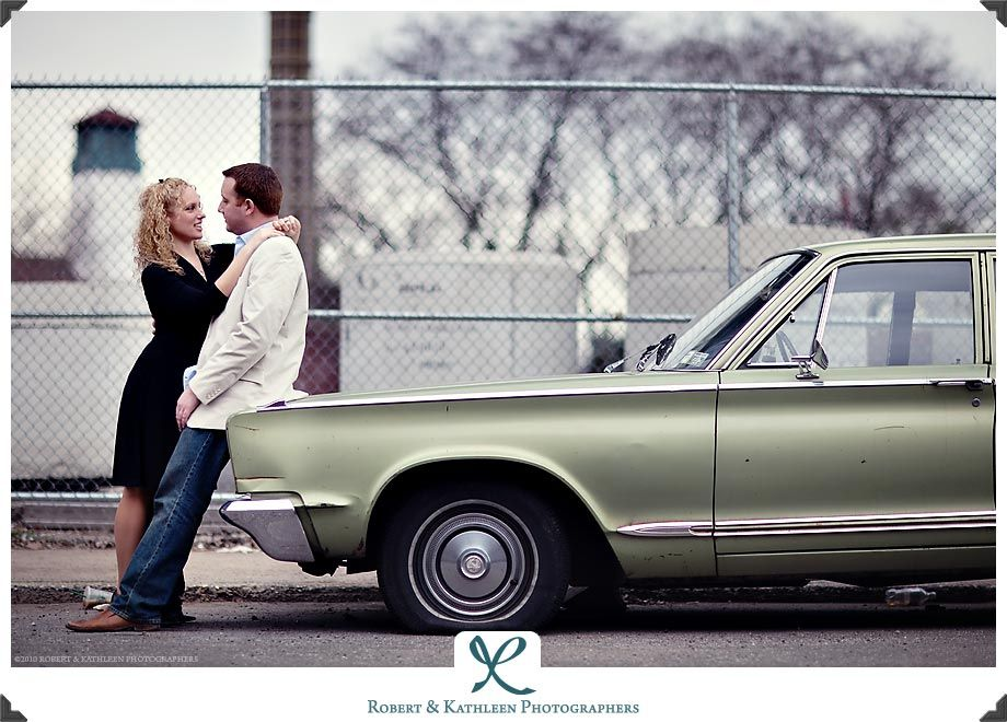 engagement picture with old car - Google Search | Photography ...