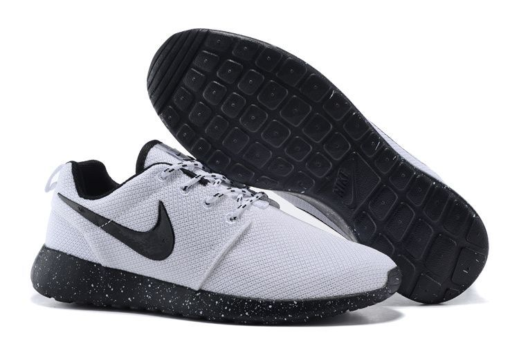 meilleur site web f6540 cc310 nike shoes on | Nike shoes outfits | Nike shoes, Nike roshe ...