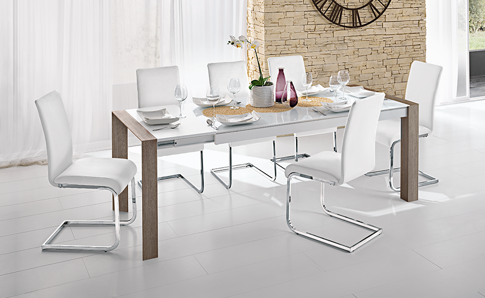 Il tavolo rettangolare Wood in vetro bianco e gambe effetto rovere ...