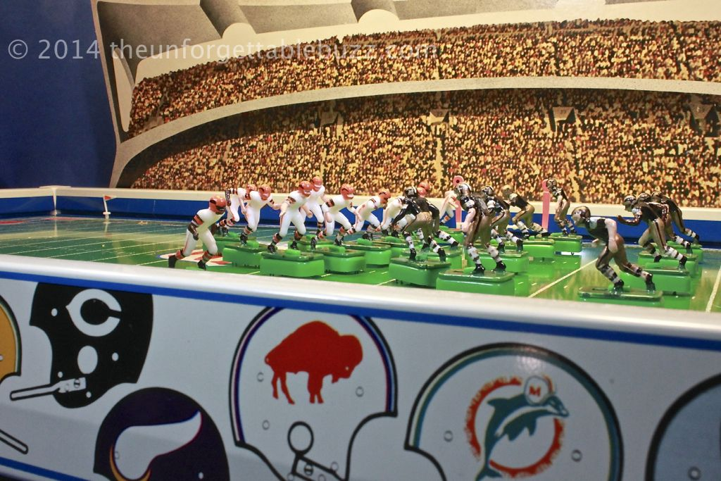 Electric football classic tudor nfl 635 game from 1972
