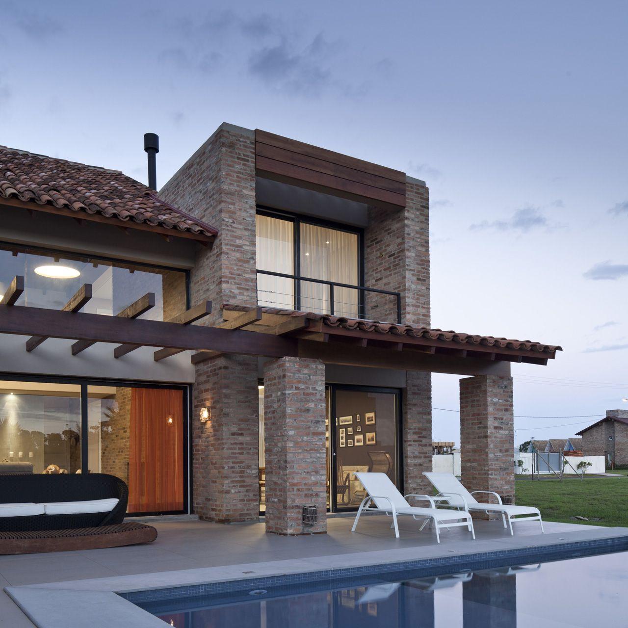 Galeria De Casa CKN / Giugliani Montero Arquitetos