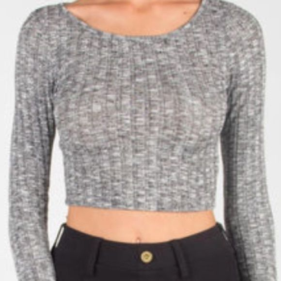 Gray knit crop top BRAND NEW! Gray knit, pearl color buttons down the front✨quarter length sleeve. Charlotte Russe Sweaters