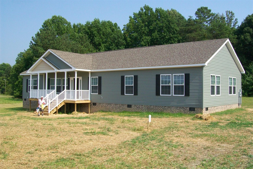Clayton Homes In Ashland Va Development Real Estate Developers Real Estate Your Gateway To Local Hi Mobile Home Porch Mobile Home Exteriors Clayton Homes