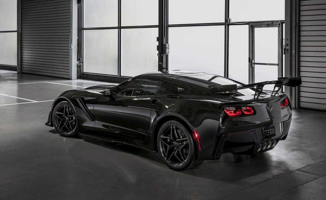 2019 Corvette Zr1 Coupe And Convertible Officially Unveiled At La
