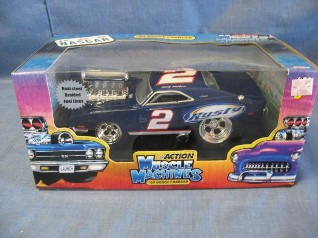 Muscle Machines 1:24 Scale Die-Cast Rusty Wallace #2 ...