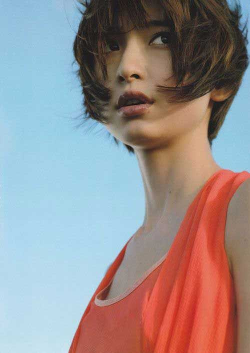 25 Short Hairstyles For Round Faces Raspail Persos Hayase