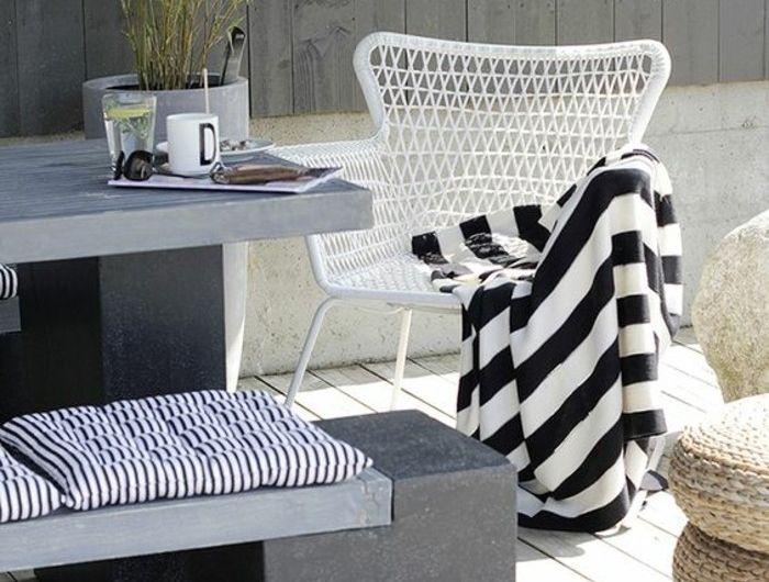 1-mobiliers-de-jardin-en-bois-blanc-sol-en-planchers-bois-naturel ...