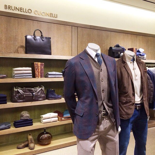 These essential staples from @brunellocucinelli are perfect for the classic Goodman.
