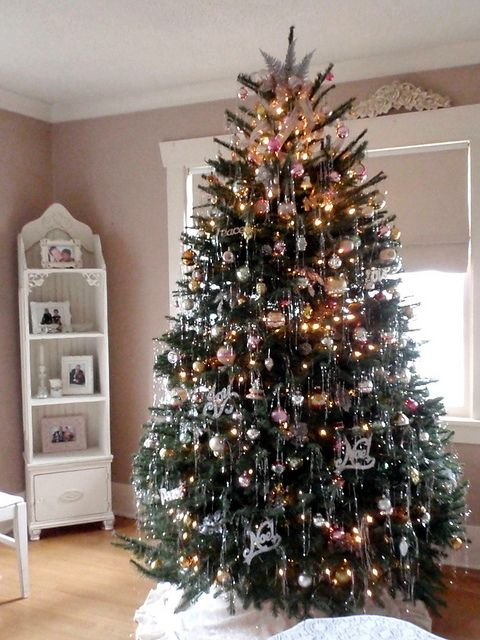 Christmas tree with vintage ornaments and tinsel | Flickr - Photo Sharing!