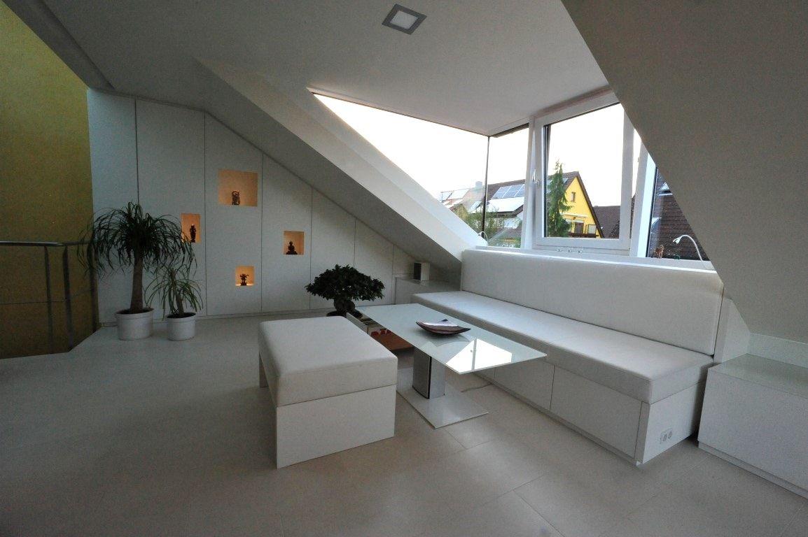 sofa unter dachschräge   MINIMALISTISCHES HAUS DESIGN INTERIEUR ...