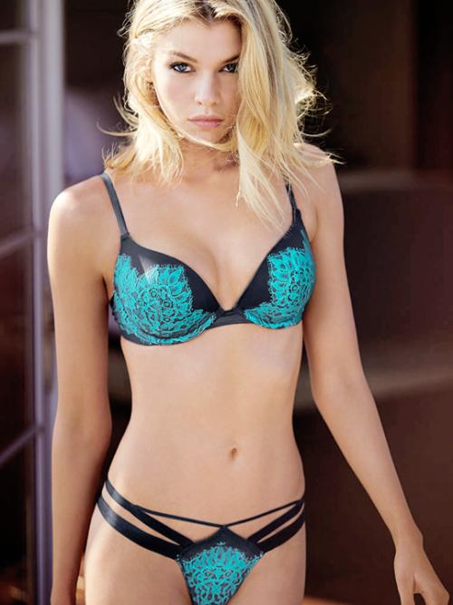 Lingerie gallery bikini supermodel
