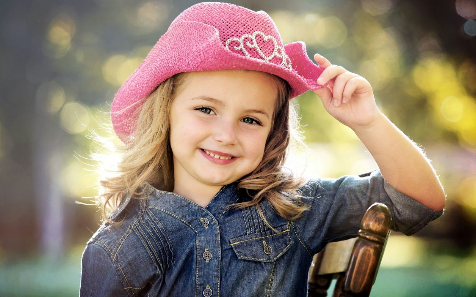 little cute baby girl wallpaper | hd wallpapers download | tiny