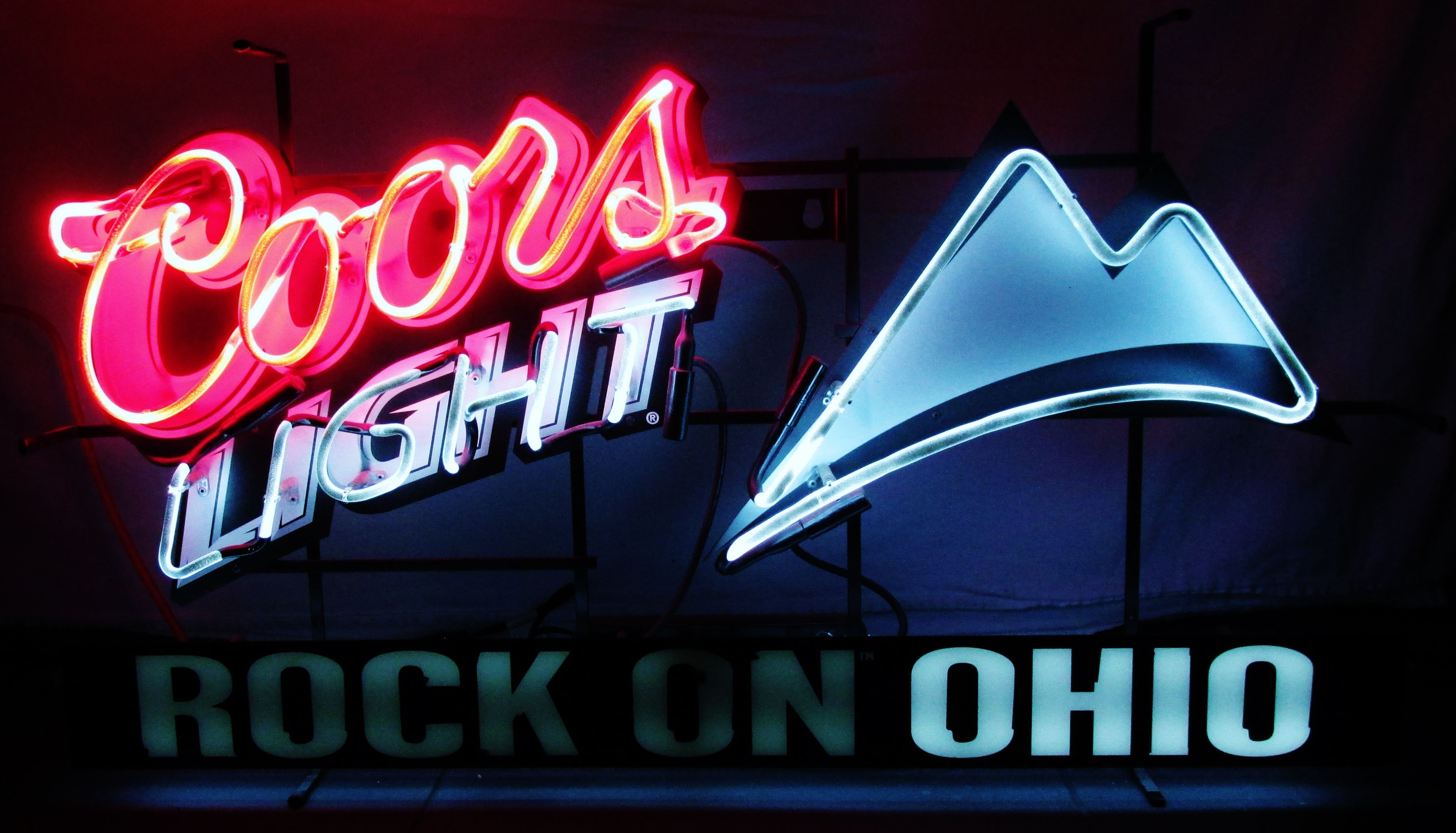 coors light rock on ohio neon bar sign circa 2006. Black Bedroom Furniture Sets. Home Design Ideas