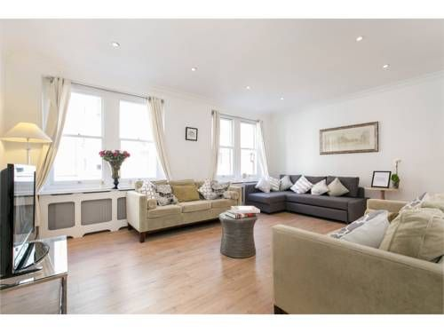 Fitzrovia Suites London Located just 5 minutes' walk from the busy shopping district of Oxford Street, Fitzrovia Suites offer self-catering accommodation in central London.