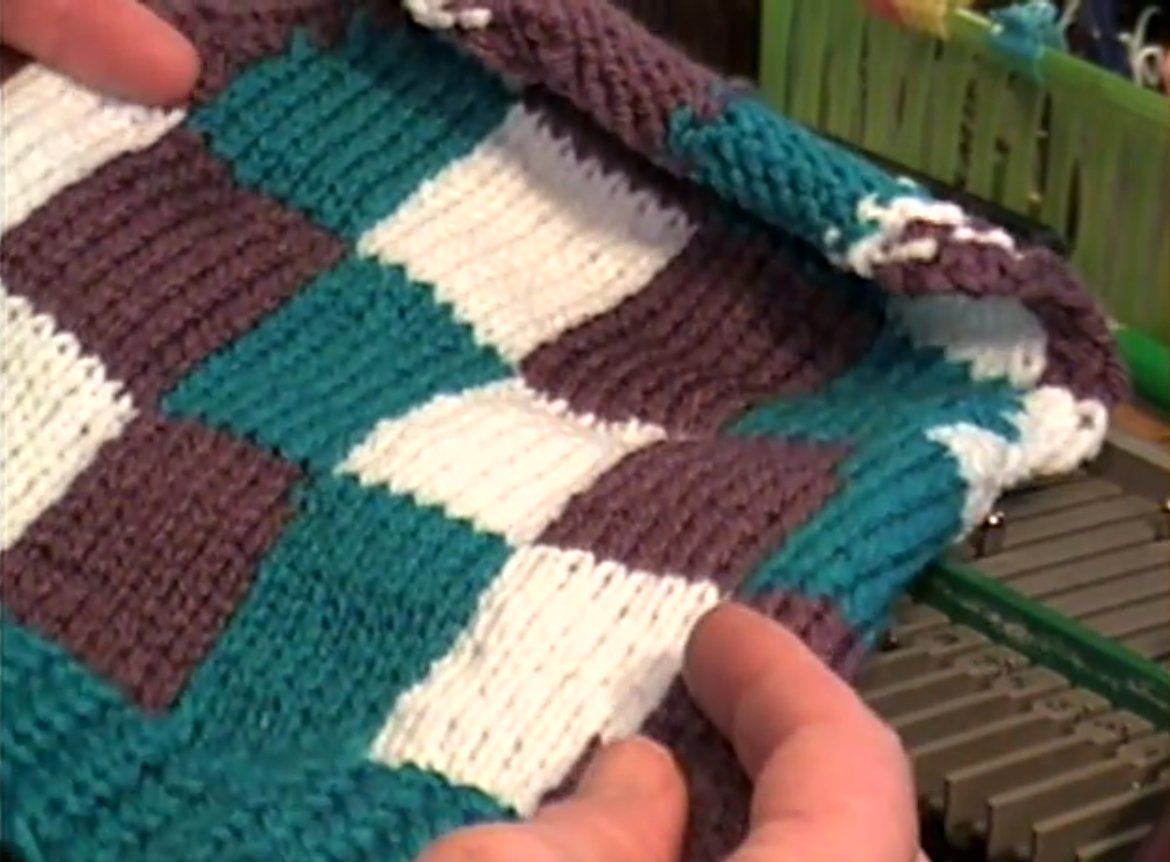 Creating an intarsia checkerboard design using your knitting machine ...