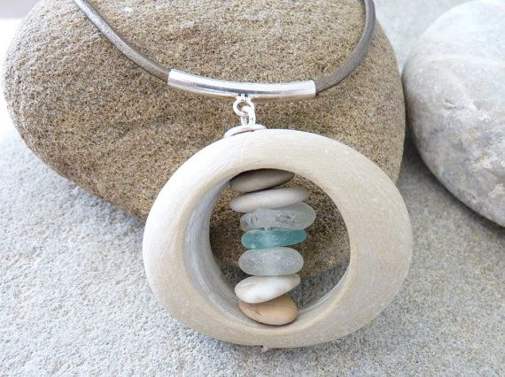 Beach stone sea glass necklace .Collier galet de plage par PARALIA