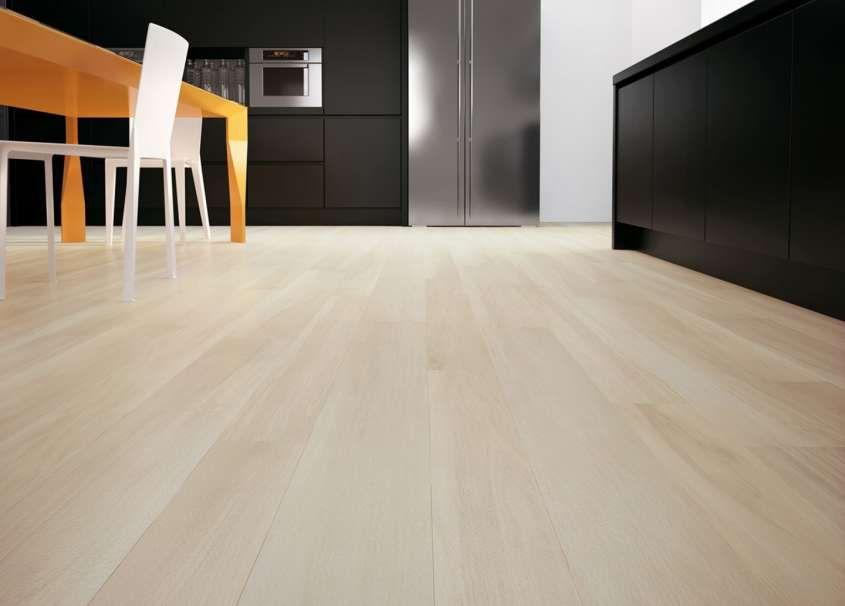 Abbinare il pavimento al rivestimento della cucina ...