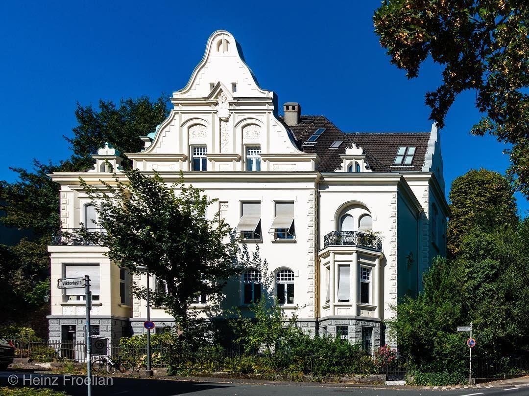 Briller Viertel Villen Und Hauser Die Unter Denkmalschutz Stehen Deutschland Wuppertal Bergischesland Villa Denkm Villen Bergisches Land Denkmalschutz