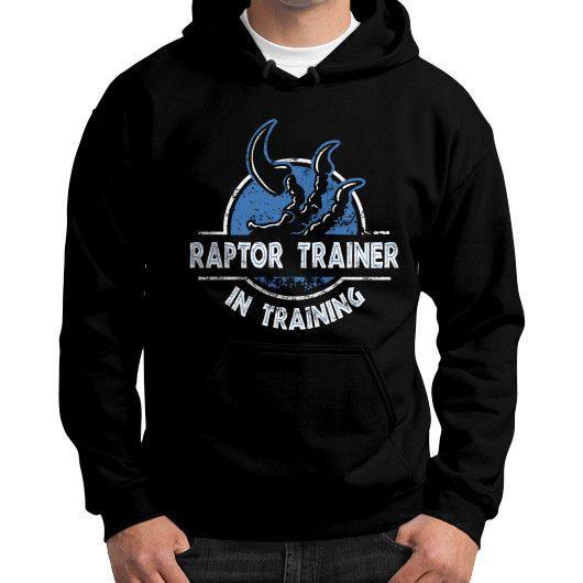 Fashions raptor traner Gildan Hoodie (on man)