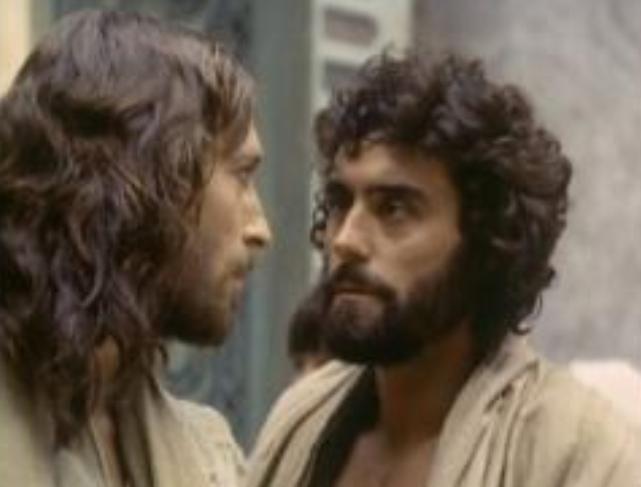 Jesus (Robert Powell) & Judas (Ian McShane) | Jesus of ...