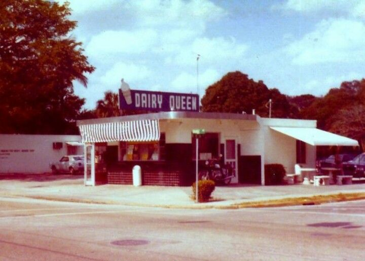The Old Dairy Queen Fort Pierce Fl On Orange Ave Loved This Place As A Kid So Many Choices Of Milkshakes Fort Pierce Florida Home Old Florida