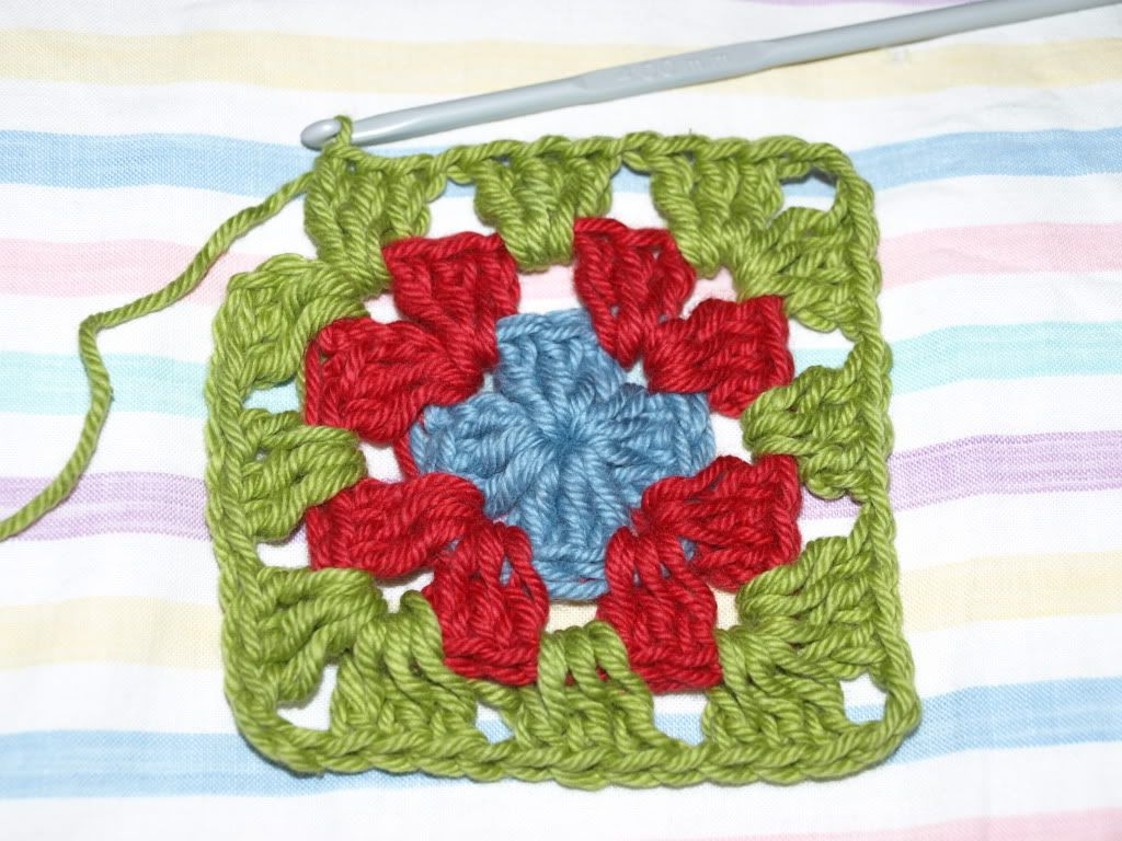 Easiest tutorial for granny square too easy keep sharing crochette easiest tutorial for granny square too easy keep sharing crochet squarescrochet dt1010fo