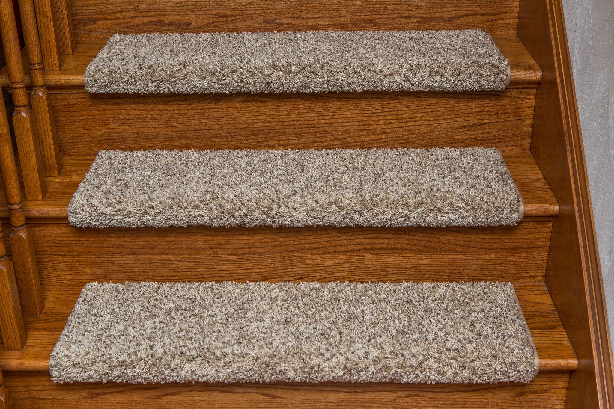 Best Windsor Adhesive Bullnose Carpet Stair Tread With Padding 640 x 480