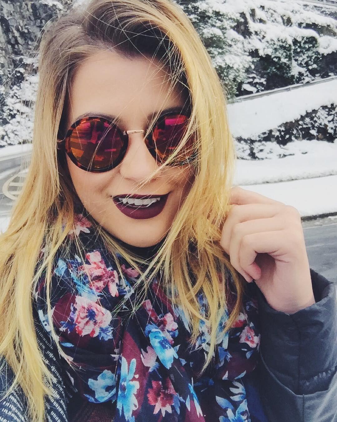 """""""Mesmo que a vida se torne fria, não deixe seu coração congelar! batom é uma novidade que está por vir @fabisantina ❄️"""""""