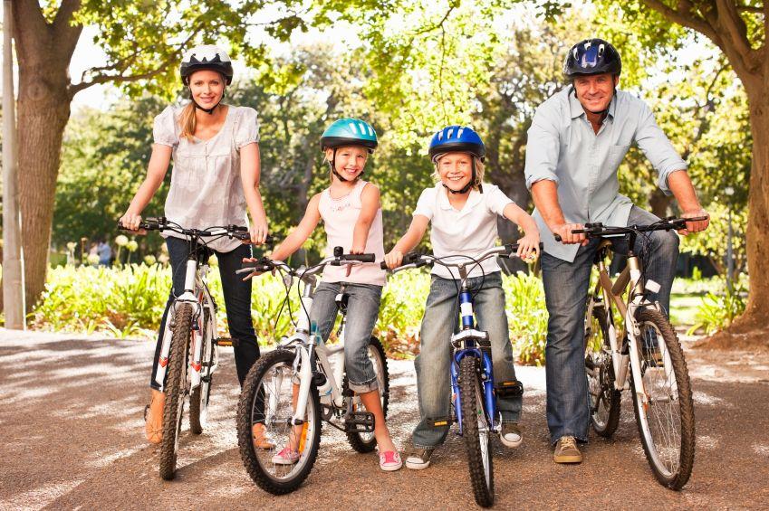 Family On Bikes Summit County Is On Bike Hybrid Bike Best Road