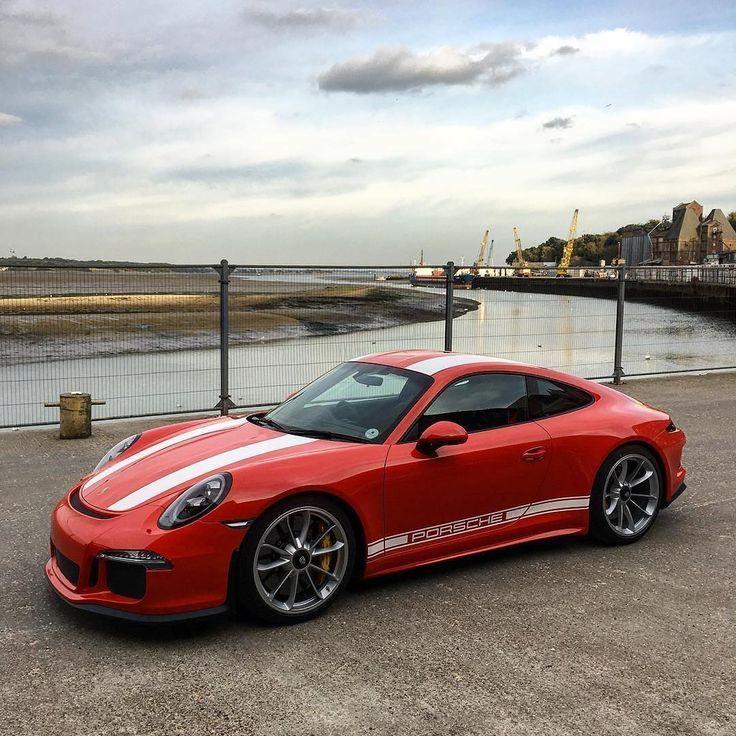 Top Porsche Cars: Best Dubai Luxury And Sports Cars In Dubai: Porsche 911R