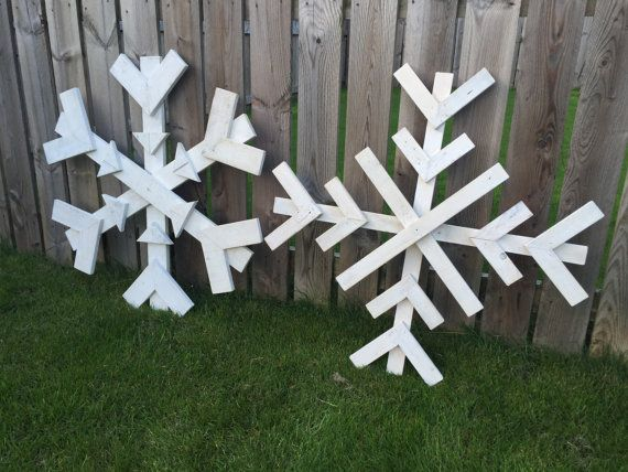 Fantastic Large Wooden Snowflakes Add The Wow Factor To Your Christmas With The Christmas Decorations Diy Outdoor Christmas Yard Decorations Outdoor Christmas